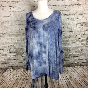 Two by Vince Camuto blue print tunic